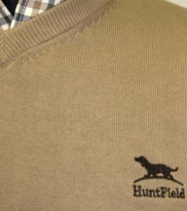 Huntfield | JERSEY CABALLERO PICO ALGODÓN (Camel, L)