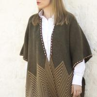 poncho lana verde marron caza señora huntfield